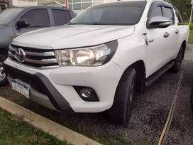 Toyota  Hilux 4x2 SRV PACK