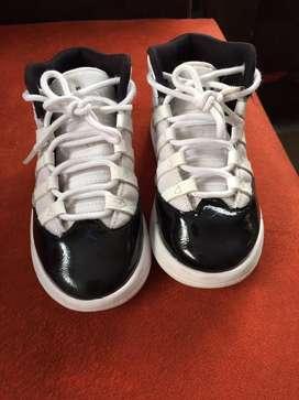 Sapatos jordan nuevitos talla 26