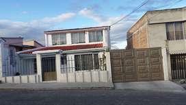 Casa en Sector residencial, al norte de la ciudad de Tulcán, cerca al hospital Luis G. Dávila en la cdla San Carlos,
