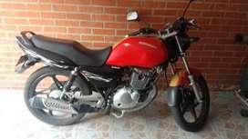 Hermosa Suzuki GS 125