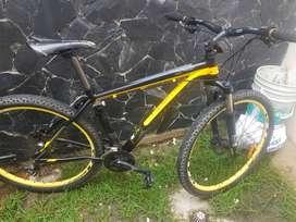 Bicicleta optimus sagitta 27.5 shimano acera freno hidraulico