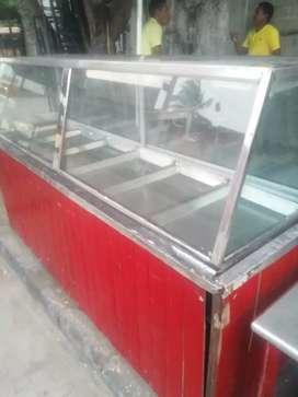 Se vende vitrina. Mesa metálica.asador  de pollo.plancha grande