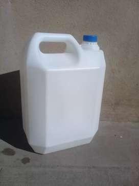 Bidones 10 litros plasticos. Limpios y con tapa