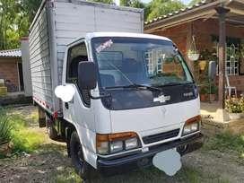 Vendo  nhr furgon carga seca
