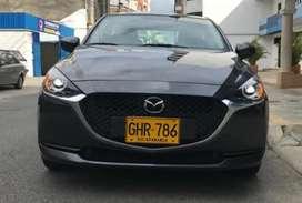 Mazda 2 automático sedan
