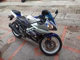 Yamaha R15 150 excelente estado