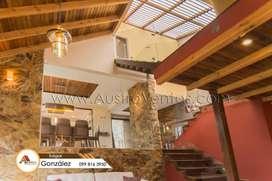 Casa venta con 1372mts Cuenca Ecuador con area verde.