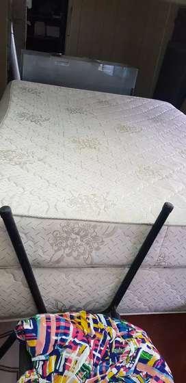 Vendo colchón somiers con base urgente