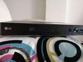 Se vende Blu-Ray 3D LG