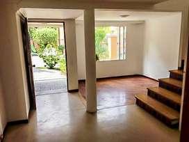 Casa Residencial en Arriendo Envigado Loma del Escobero.Cod PR9113