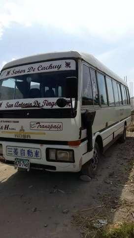 omnibus bien conservado de 20 asientos.