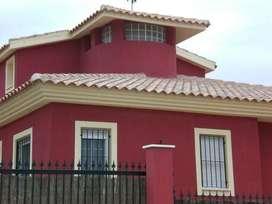 Se realiza trabajos  en toda clase de  Pintura y empaste  de casas ,puertas ventanas, cerramientos