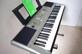 Organeta Yamaha PSR-E353