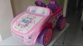 Vendo carro de juguete de bateria