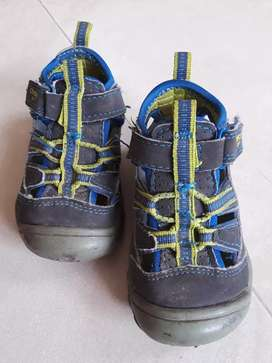 Zapatos OshKosh para niño
