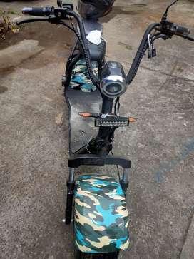 Vendo moto electrica por motivo de poco uso