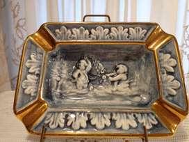 Bello Cenicero Porcelana Capodimonte Italia Querubines
