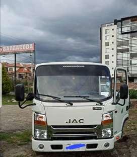 Camión JAC modelo 1040 año 202