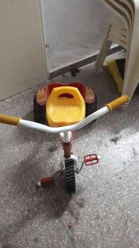 Triciclo  pata pata  monopatin