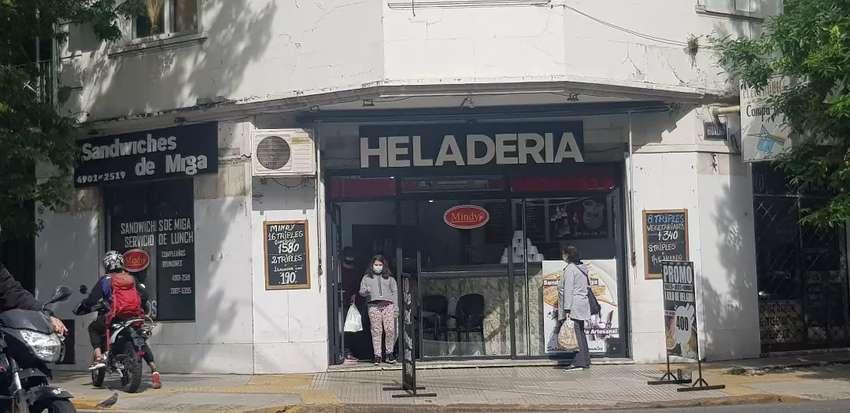 VENDO FONDO DE COMERCIO  SANWUICHERIA Y HELADERIA