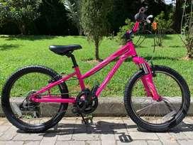 Bicicleta Specialized Hotrock 20 niña