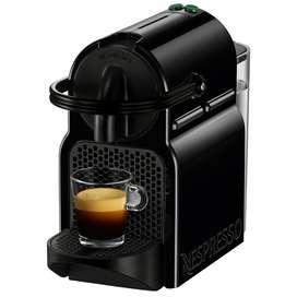 Cafetera Nespresso Inissia Negra Usada