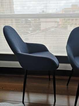 2 sillas de diseño color azul
