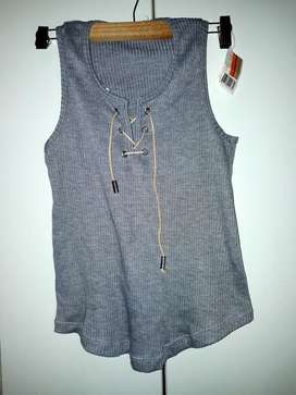 Musculosa Gris.