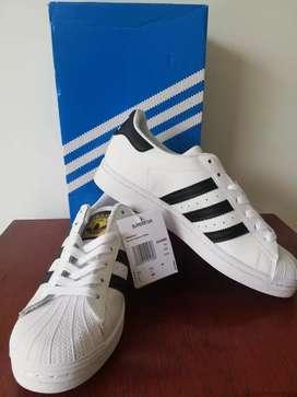 Zapatos Tenis Adidas Superstar Originales y Nuevos Talla 7 Americana
