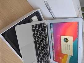 Apple MacBook AIR 11 i5 4Gb Ram 128Gb SSD IMPECABLE en Caja!