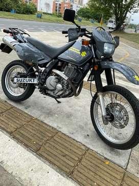 Suzuky dr 650