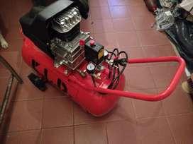 COMPRESOR FLAM 2.5HP 50LTS C RUEDAS COMPLETIS!! PERM VARIAS!!!