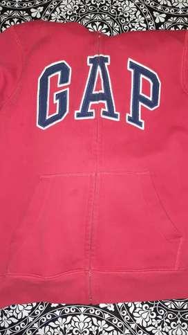 Buzo Gap niño usado . Para 8/10 años