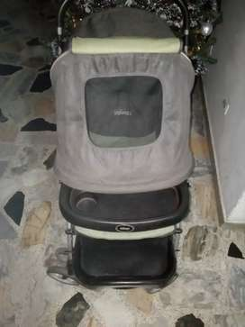 Vendo cambio coche para bebé marca INFANTI convertible a mecedora