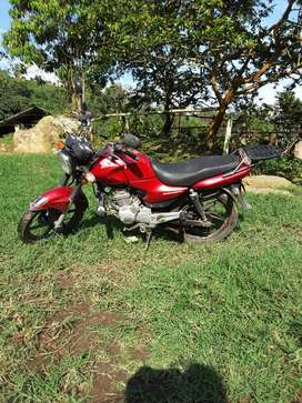 Vendo moto Honda CB125E