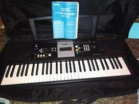 Piano marca Yamaha/ Digital Keyboard/ Teclado Digital y CLavier Numérico... PSR:E223/YPT-220