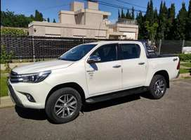 Hilux 2016 4*4 manual impecable