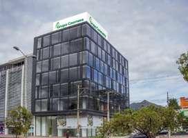 Local en 1er piso y oficinas en 2do piso. Edificio corporativo