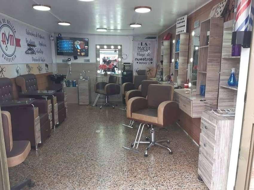 Se vende peluquería/Barberia 0