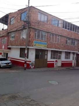 Vendo casa de 3 pisos ubicada en Soacha, barrio Ricaurte, cerca de estación san mateo
