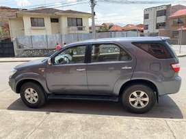 TOYOTA FORTUNER 4x4 Año 2011