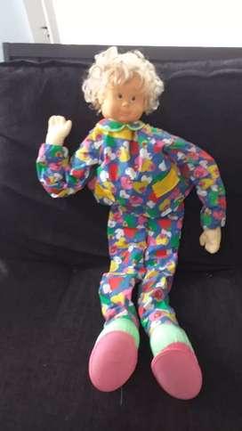Hermoza muñeca alta mide 120cm es importada