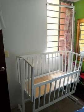 Cuna para bebé metalica