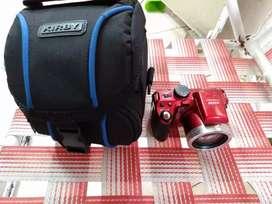 Excelente cámara prácticamente sin uso,con su funda y tarjeta expandible