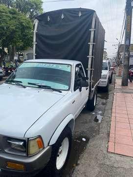 Toyota Hilux estacas con carpa