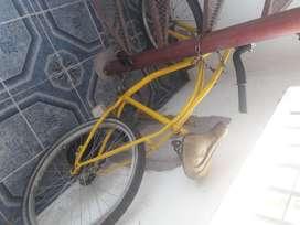 vendo bicicleta playera rodado 28 muy buena andando es perfecto estado