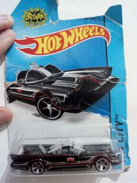 Hot Wheels 2014 HW City Batimóvil