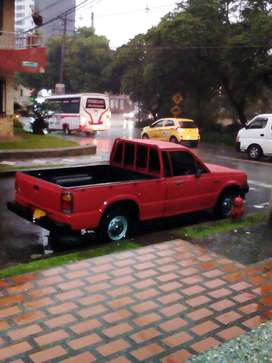 Vendo Mazda B2000