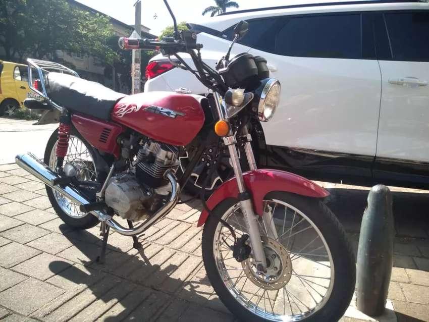Venta de moto AKT 125 0