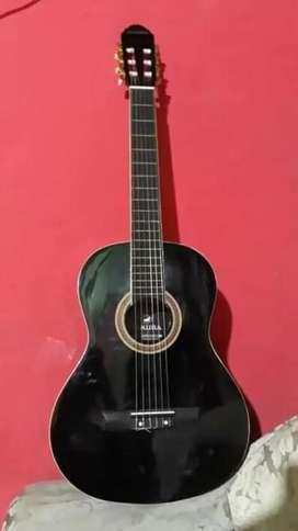 Guitarra clásica con forro incluido